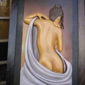 Desnudo, tallado en madera