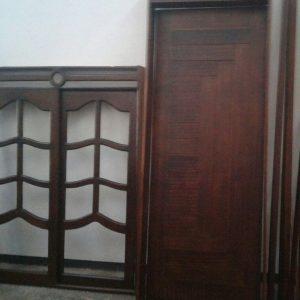 Ventana y puerta en madera